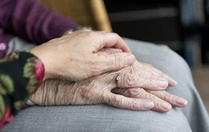 Residencia o cuidadores a domicilio