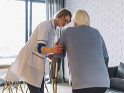 ventajas contratar una cuidadora