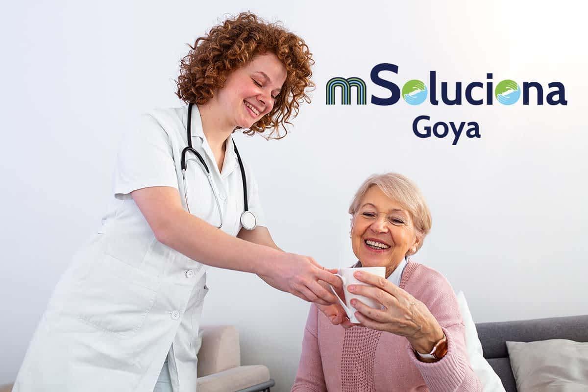 ayuda-domicilio-cuidado-mayores-madrid-hidratacion-verano-mSoluciona-Goya